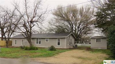 Seguin Single Family Home For Sale: 5033 Blue Bonnet