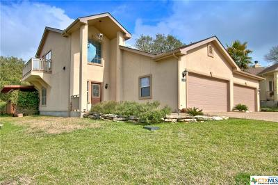 Canyon Lake Condo/Townhouse For Sale: 134 Clearwater Court