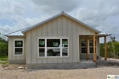 Canyon Lake Single Family Home For Sale: 525 Thumper Lane