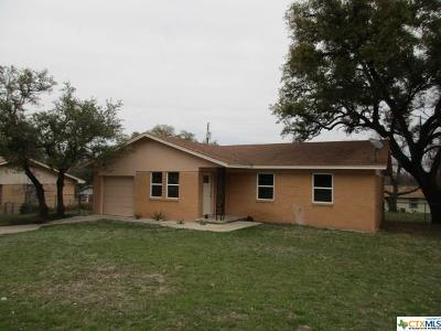 Lampasas Single Family Home For Sale: 205 Skyview