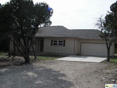 Canyon Lake Single Family Home For Sale: 213 Legacy