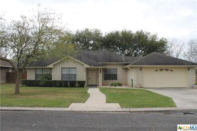 Seguin Single Family Home For Sale: 1203 Old Homestead