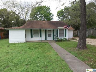 Seguin Single Family Home For Sale: 212 Romberg Street