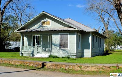 Milam County Single Family Home For Sale: 906 N Washington