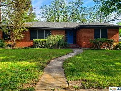 Gatesville Single Family Home For Sale: 1209 E Leon Street
