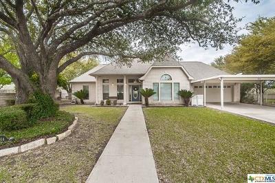 Seguin Single Family Home For Sale: 704 River Oak