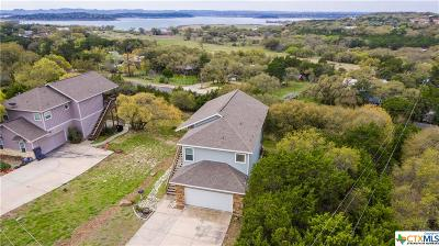 Comal County Single Family Home For Sale: 700 Oak Leaf