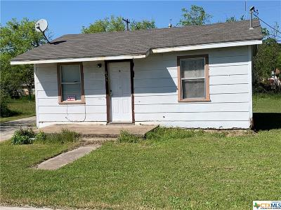 Single Family Home Pending: 604 W Avenue B