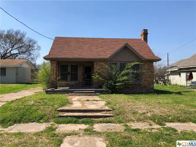 Gatesville Single Family Home For Sale: 211 N Lutterloh Avenue