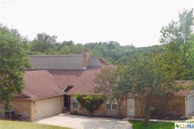 Canyon Lake Condo/Townhouse For Sale: 28 Oak Villa Road