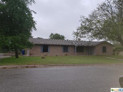 Copperas Cove Single Family Home Pending: 711 Ash Street