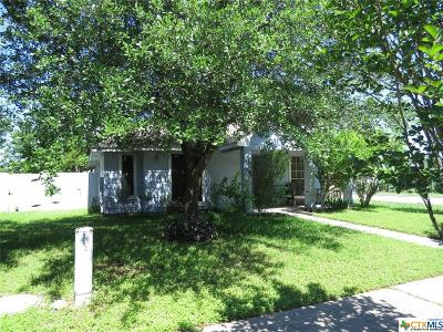 Pflugerville Single Family Home For Sale: 13730 Spring Heath Drive