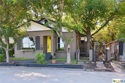 New Braunfels Rental For Rent: 521 W Bridge Street