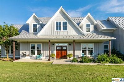 Guadalupe County Single Family Home For Sale: 1141 Zuehl Crossing