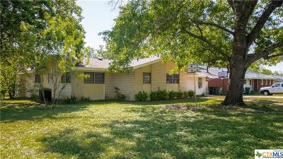 Burnet County Single Family Home For Sale: 905 N Pierce