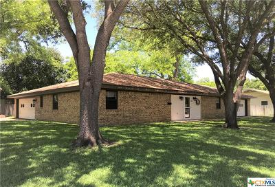 Milam County Single Family Home For Sale: 200 E 6th
