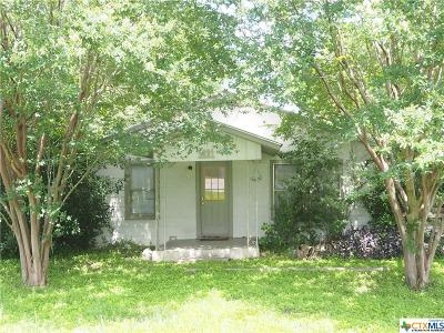 New Braunfels TX Single Family Home For Sale: $180,000