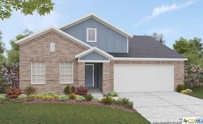 New Braunfels Single Family Home For Sale: 3992 Legend Meadows
