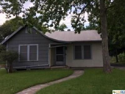 New Braunfels TX Single Family Home For Sale: $240,000