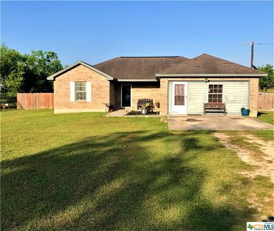 Seguin Single Family Home For Sale: 1001 Sheffield Rd Road