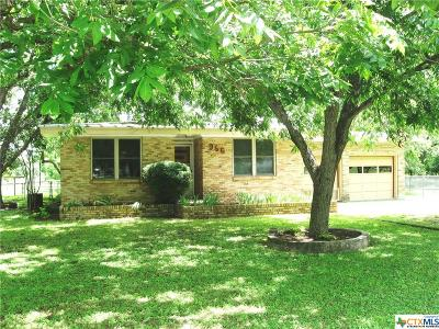 New Braunfels Single Family Home For Sale: 956 Broadway