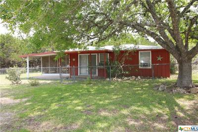 Canyon Lake Single Family Home For Sale: 512 Whispering Breeze Drive