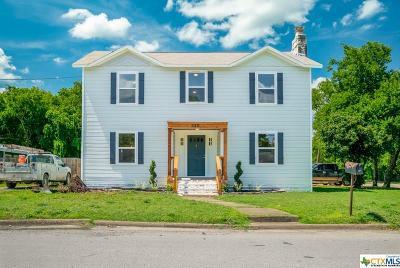 Seguin Single Family Home For Sale: 530 E Pine Street
