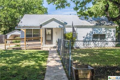 Seguin Single Family Home For Sale: 215 Moore Street