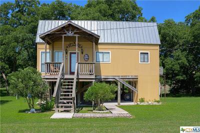 Single Family Home For Sale: 1072 Darst Creek Lane