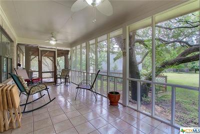 Coryell County, Falls County, McLennan County, Williamson County Single Family Home For Sale: 805 Oak Crest Lane