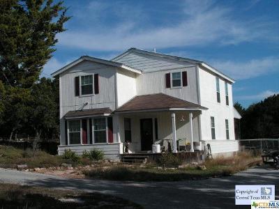 Canyon Lake Single Family Home For Sale: 1371 Lake Bluff