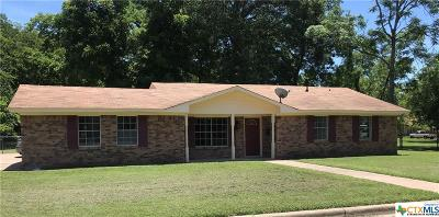 Milam County Single Family Home For Sale: 805 N Washington