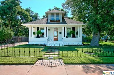 Seguin Single Family Home For Sale: 413 N River Street