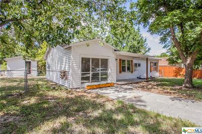 Milam County Single Family Home For Sale: 102 W Gibson Street