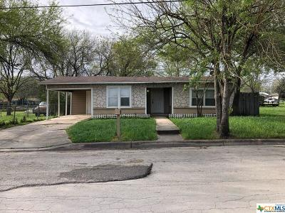 Seguin Single Family Home For Sale: 317 W Baxter Street