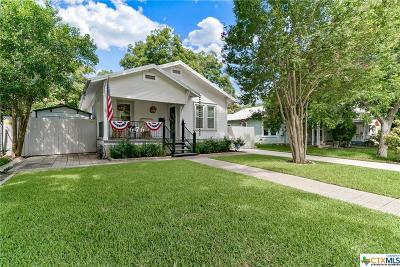 New Braunfels Single Family Home For Sale: 676 S Santa Clara Avenue