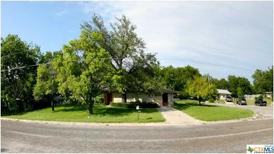 Lampasas Single Family Home For Sale: 11 Hillcrest Drive