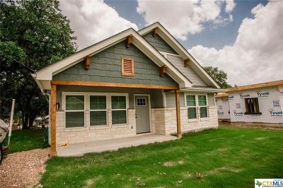Canyon Lake Single Family Home For Sale: 1642 Canyon Edge