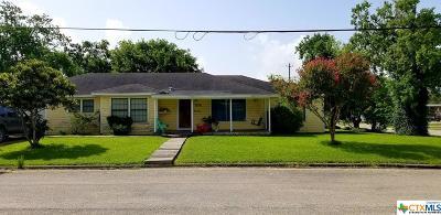 Single Family Home For Sale: 204 E Mahan