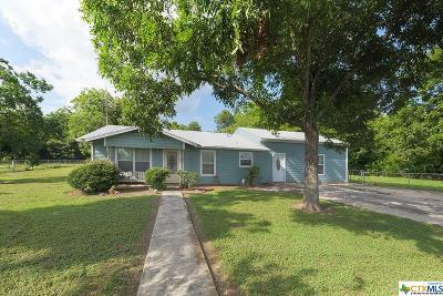 Seguin Single Family Home For Sale: 935 W New Braunfels Street