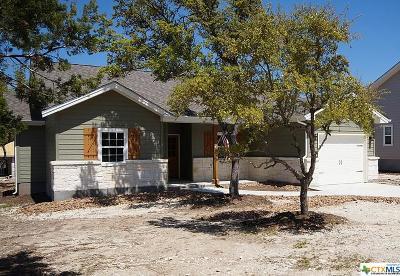 Canyon Lake Single Family Home For Sale: 1065 Canyon Shores