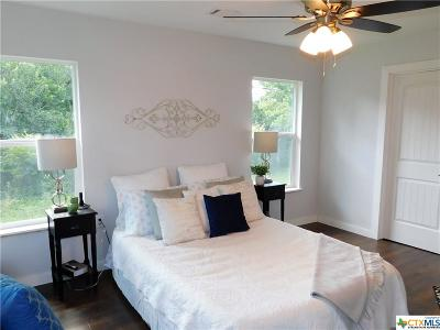 Elgin Single Family Home For Sale: 604 Taylor Road