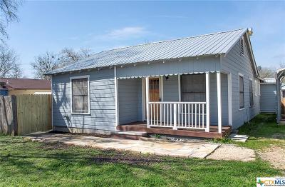 Taylor TX Single Family Home For Sale: $185,000