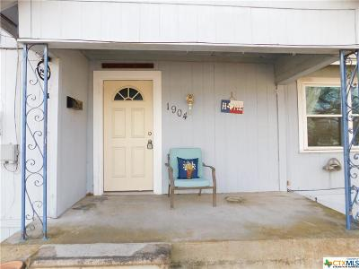 Gatesville TX Single Family Home For Sale: $89,000