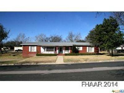 Lampasas Single Family Home For Sale: 204 Arnold Street
