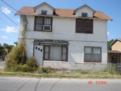 Brackettville, Del Rio, Comstock Single Family Home ACTIVE: 607 W Dignowity St.