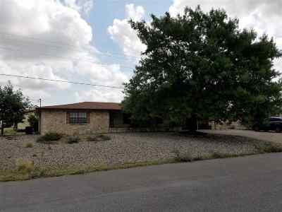 Single Family Home ACTIVE: 11 Dawn Dr.