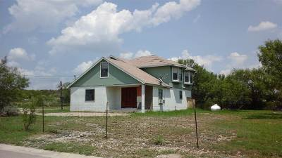 Brackettville, Del Rio, Comstock Single Family Home ACTIVE: 17 Cedro Street
