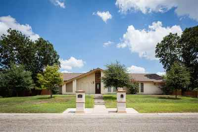 Brackettville, Del Rio, Comstock Single Family Home UNDER CONTRACT-CONTINGENT: 303 Meandering Way