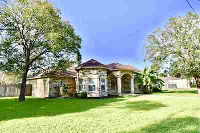Brackettville, Del Rio, Comstock Single Family Home ACTIVE: 305 Bolner Lane